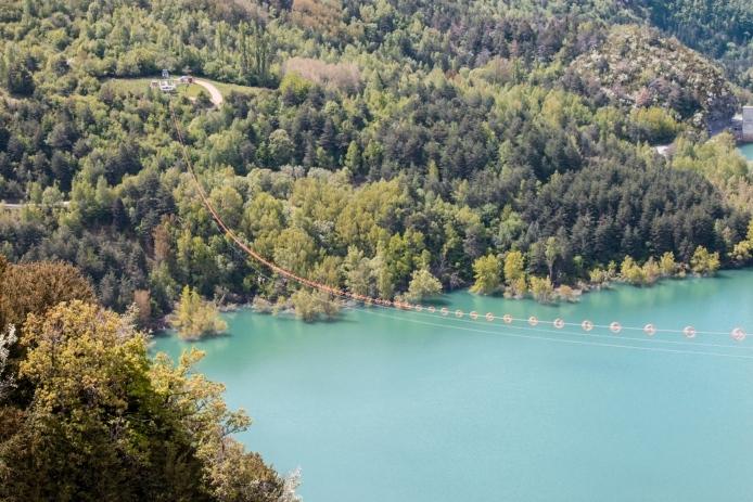 La tirolina del valle de Tena. La tirolina doble mas larga de Europa
