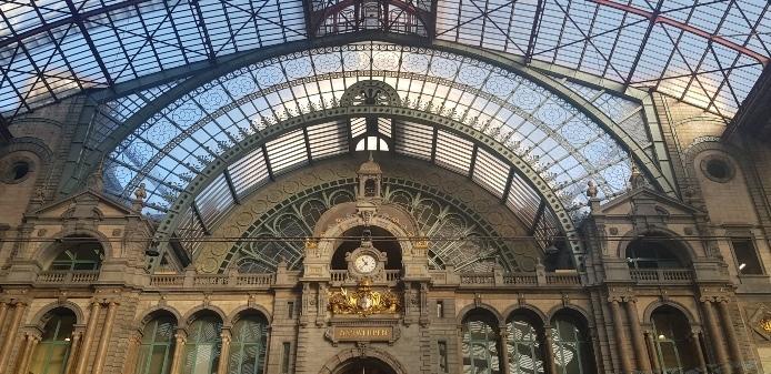 Trenes en Belgica